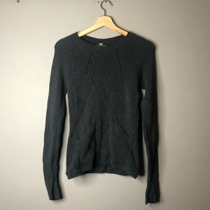 Lululemon knit long sleeve sweater size 6